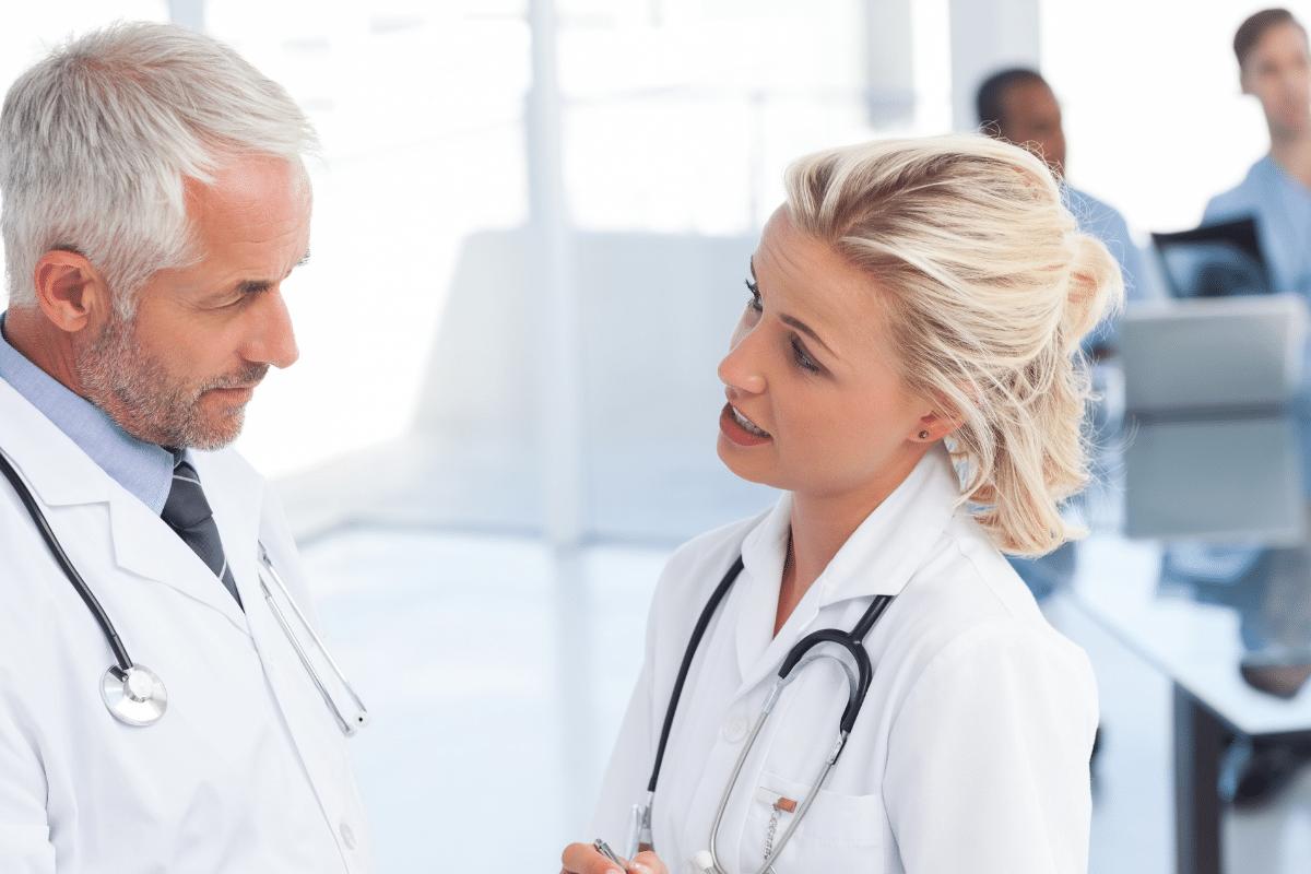 G-BA beschließt Anspruch auf ärztliche Zweitmeinung vor Eingriffen an der Wirbelsäule - Gesundheitsblog - Agenki